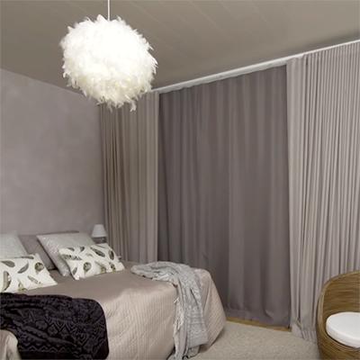 Hyönteisovi ja pimennysverhot makuuhuoneeseen