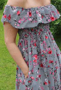 Kuminauhapoimutettu mekko